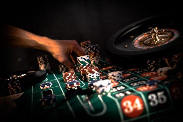 لاعب كازينو 888