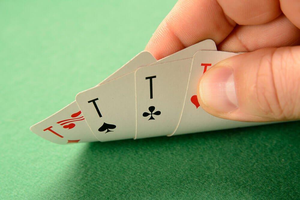 لاعب لعبة البوكر