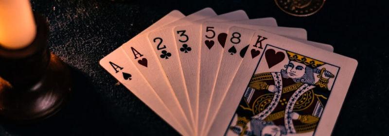 لعبة البوكر على الانترنت