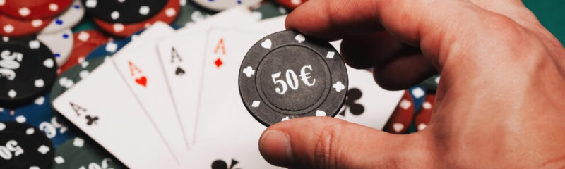 لعب لعبة البوكر